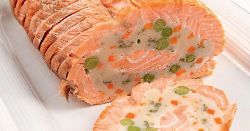 Восхитительно вкусный рулет из лосося