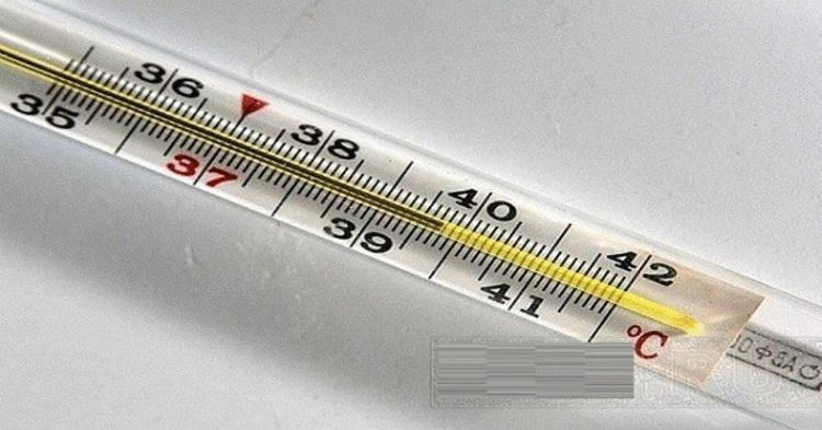 Что можно и что нельзя делать при высокой температуре у ребенка (7 золотых правил)