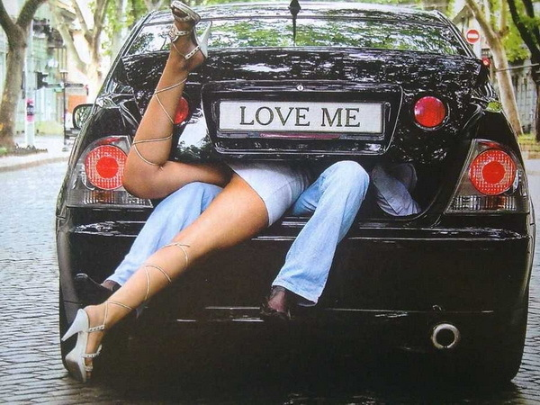 Секс в машине водителем авто