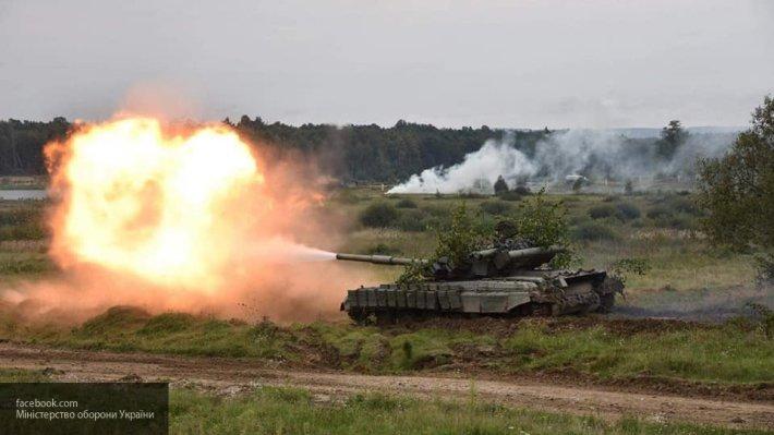 Атака на поселок Ленинское: ВСУ начали танковый обстрел