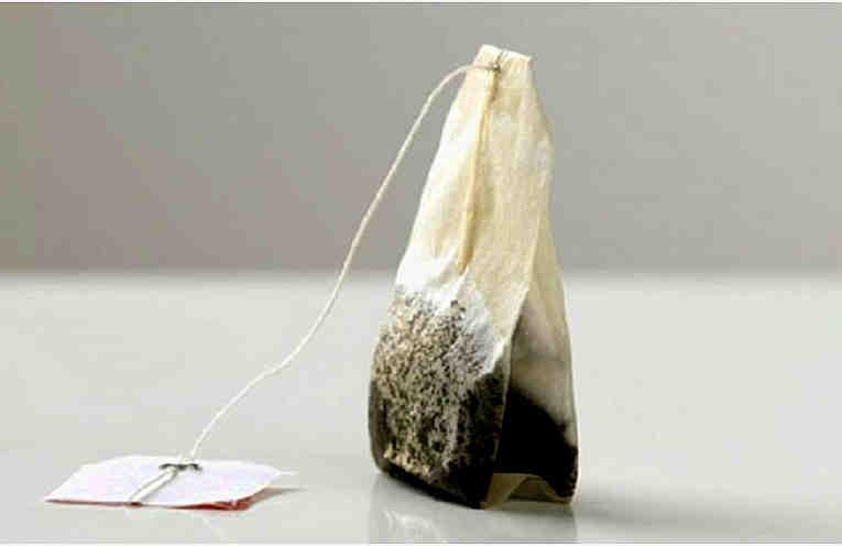 Почему не нужно выбрасывать чайные пакетики