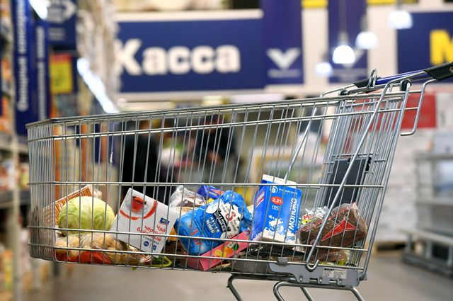 Лучше Казахстана, хуже Австрии. Россияне тратят на еду треть доходов