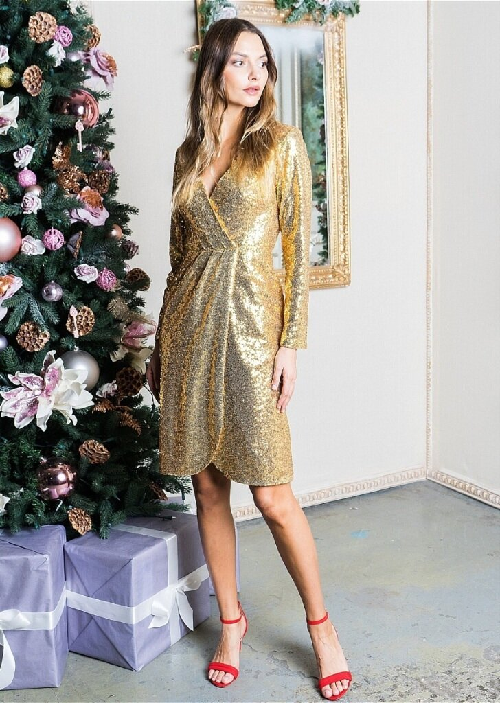 Актуальные наряды на Новый год 2021: 3 способа стильно встретить праздник