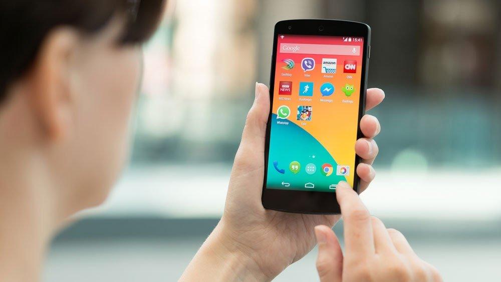 Вышел смартфон на чистом Android за 6000 рублей