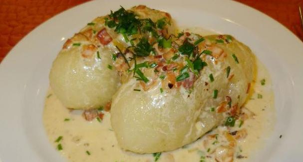 Оригинальный рецепт советской кухни — цеппелины. Идеальный вариант для тех, кто устал от обычной картошки