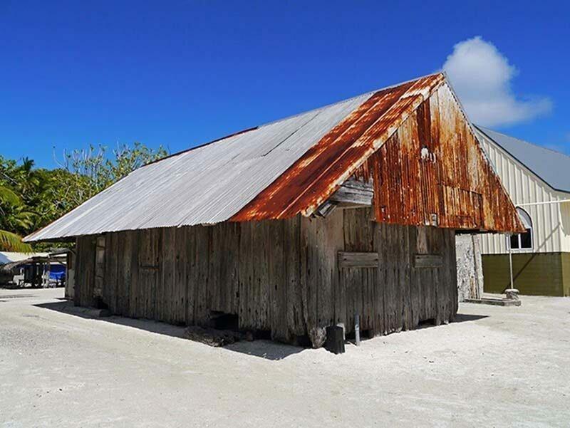 На острове всё ещё стоит оригинальная усадьба Уильяма Марстерса, которая была построена из корабельной древесины, собранной после кораблекрушений жизнь, интересно, люди, остров, факты