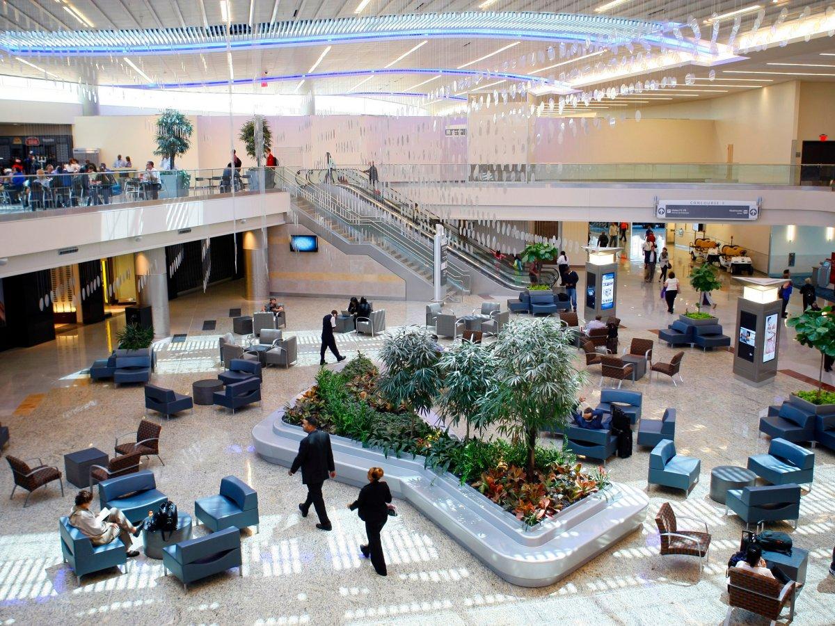 16. Международный аэропорт Хартсфилд-Джексон Атланта. Пассажирооборот – 101 491 106 пассажиров.