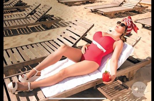 42-летняя Ирина Пегова выложила фото в купальнике и произвела фурор