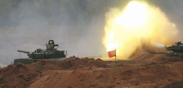 Россия проводит самые большие в своей истории военные маневры
