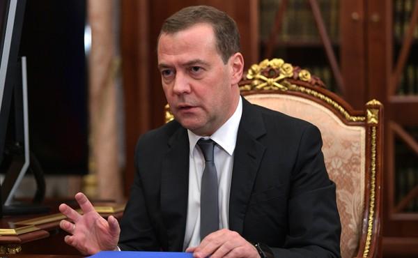 Медведев посоветовал Белорус…