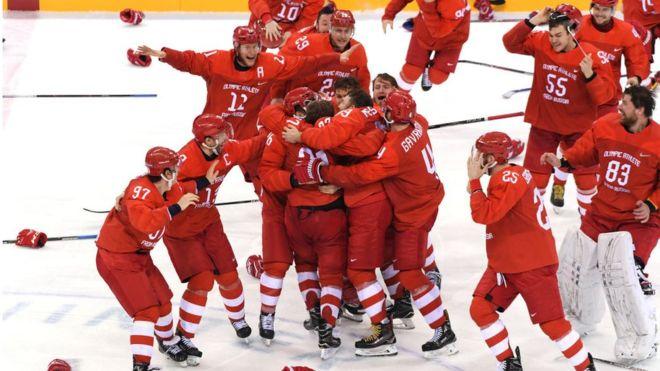 Российские хоккеисты ходили …
