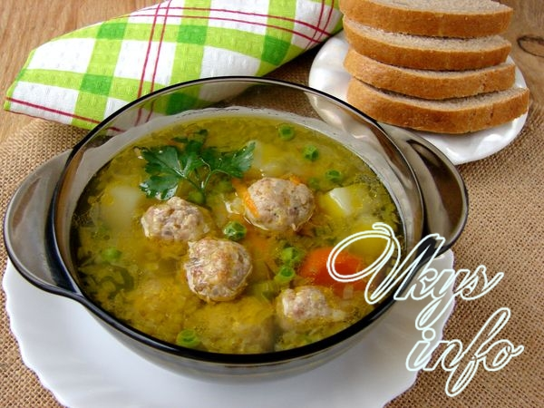 Суп с горошком и фрикадельками