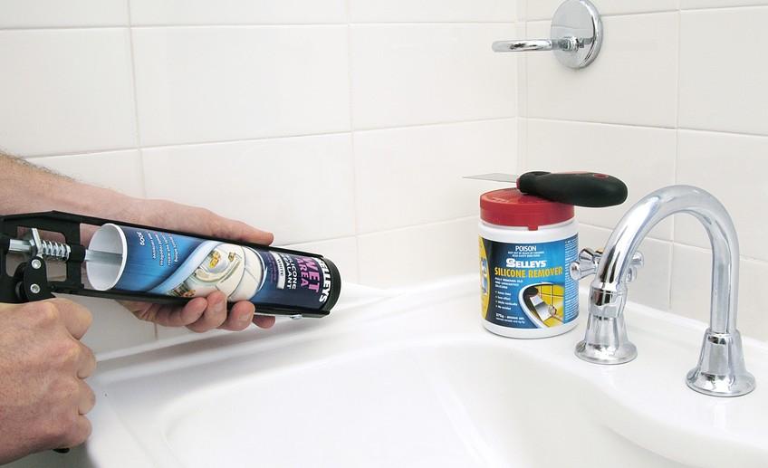 Обновляем силиконовые швы в ванной: советы и собственный опыт