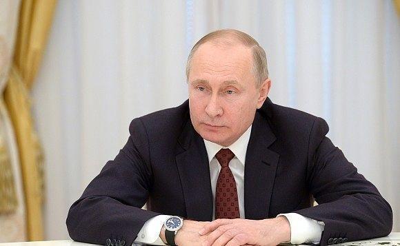 Опоздав на час, Путин устрои…