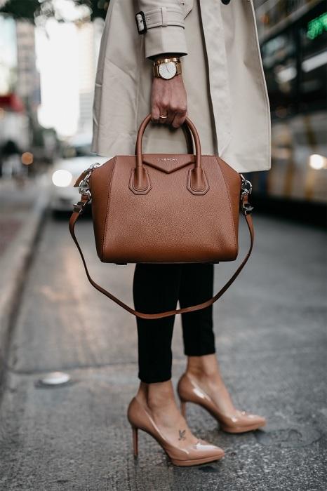 Сумка от французского дома Моды Givenchy. / Фото: fashionapp.ru