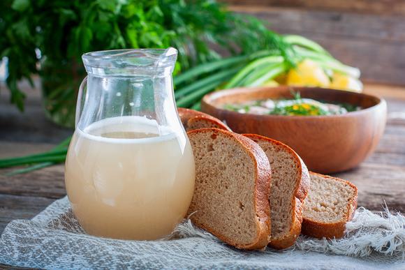 Витамины из леса: чем полезен березовый сок