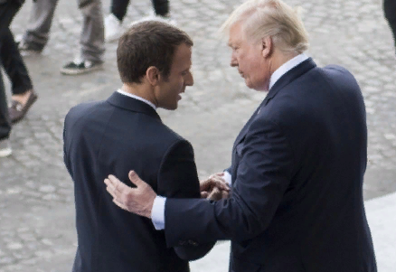 Макрон: Франция не вассал США