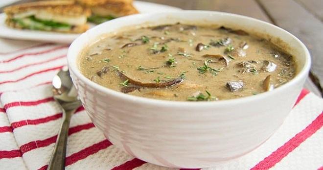 Сырный суп с шампиньонами - вкуснейшее первое блюдо на каждый день!