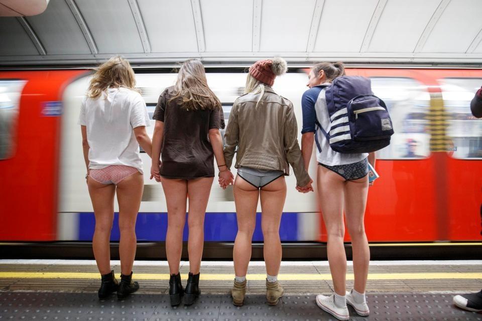 русские девчонки без штанов густо
