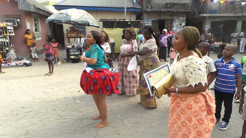 13. Церемония Ириа, нигерийское племя Окрика - песня у реки мир, ритуал, странность
