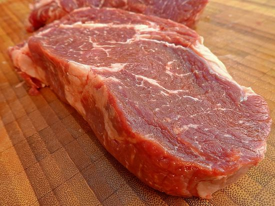 Диетологи радуются: россияне стали есть меньше мяса