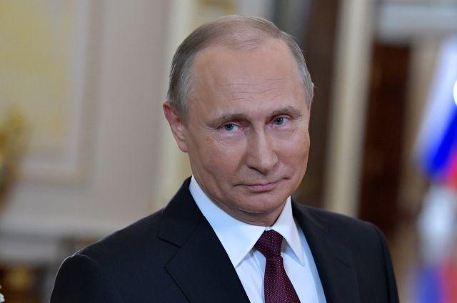 Путин поблагодарил участников КВН за актуальные шутки