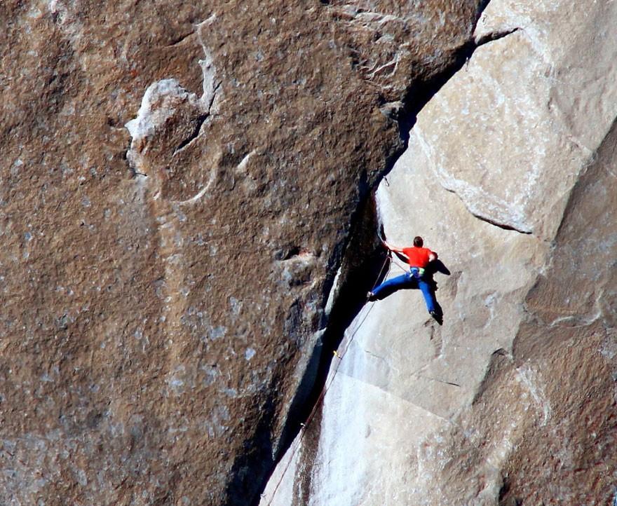 Историческое восхождение по сложнейшему в мире альпинистскому маршруту только, приходится, Томми, пальцы, используют, палатках, Калдвелл, вершину, своими, альпинисты, Йоргесон, ЭльКапитан, парке, обматывать, лентой, обрабатывать, Кевин, клеем, чтобы, иногда