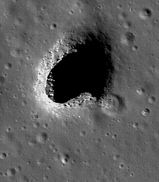 Экипаж «Аполлона-10» сфотографировал на Луне «шахту пришельцев»