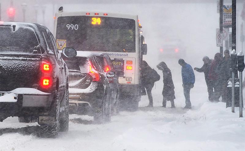 Как не попасть на «встречку» из-за автобусов и грузовиков