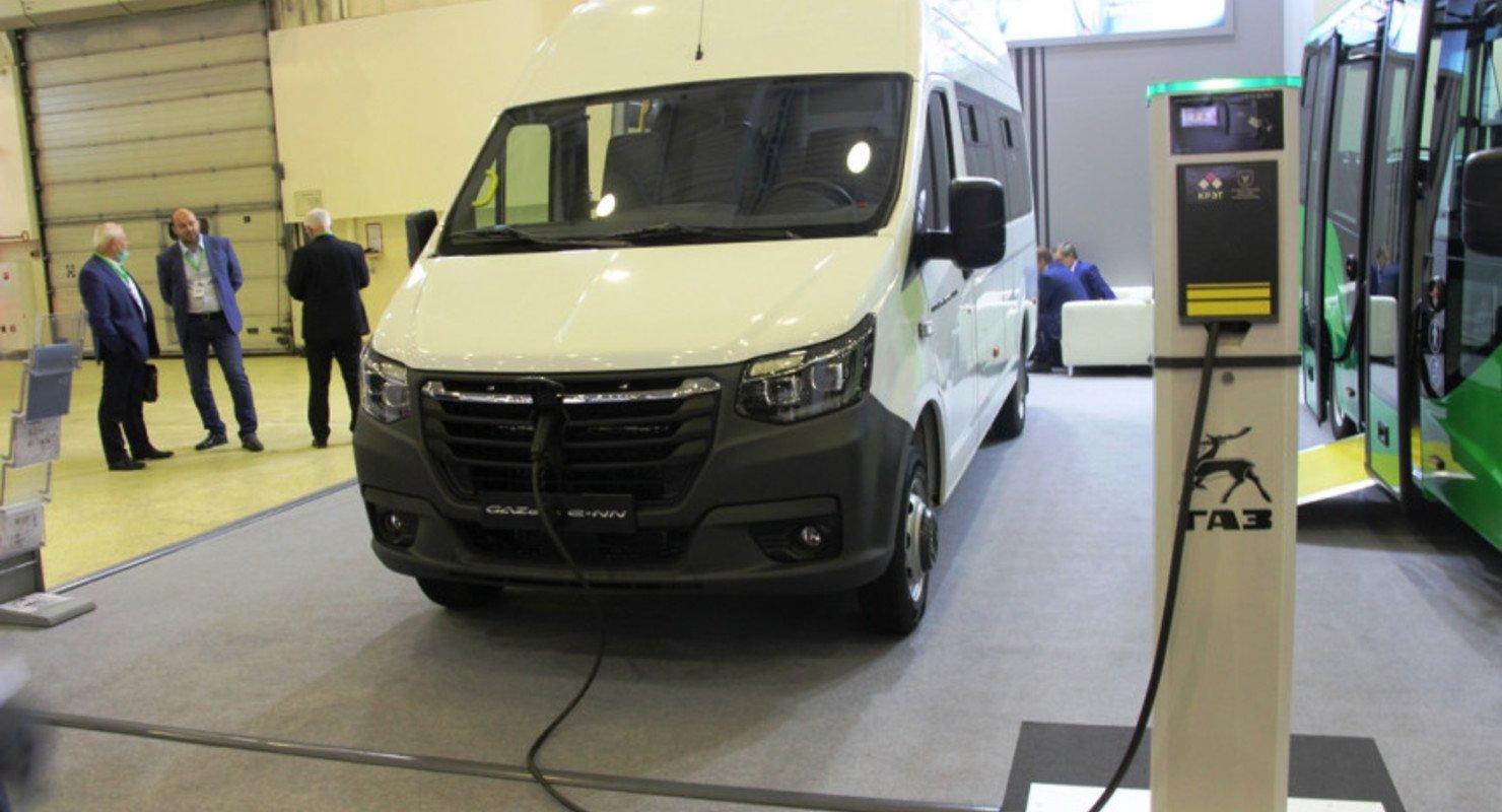 ГАЗ анонсировал первый серийный автомобиль серии E-NN Автомобили