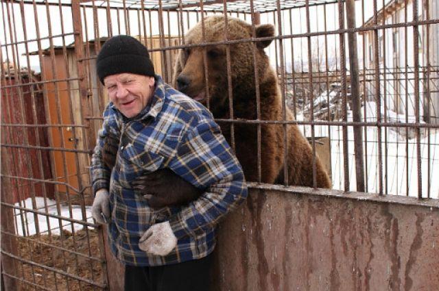 Паша и медведь. Как спасение медвежонка привело к созданию частного зоопарка