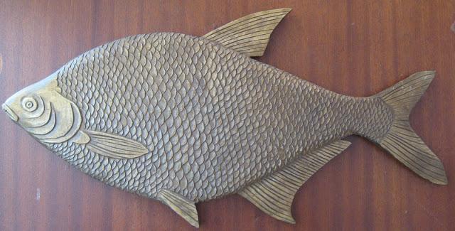 Резные рыбки из дерева