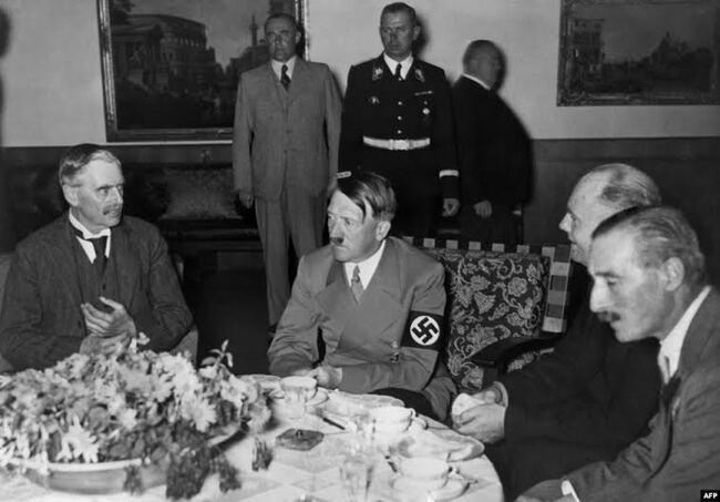 Никто не хотел воевать… статье, Источник, Путин, МолотоваРиббентропа, Польшу, Гитлер, после, войны, сговор, сентября, стран, мировой, Гитлером, Гитлеру, Балтии, Мюнхенский, Второй, России, Чехословакии, разумеется