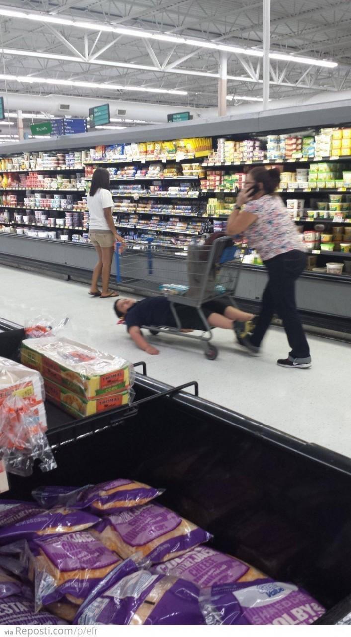 Сходил в супермаркет - повеселился интересное, креативность, продукты, реклама, супермаркет, фото, юмор
