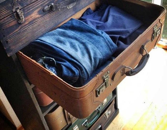 Ящики для вещей из чемодана. / Фото: 100uslug.com