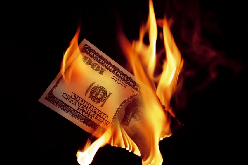 Реальная угроза для США: мир начал отказываться от доллара