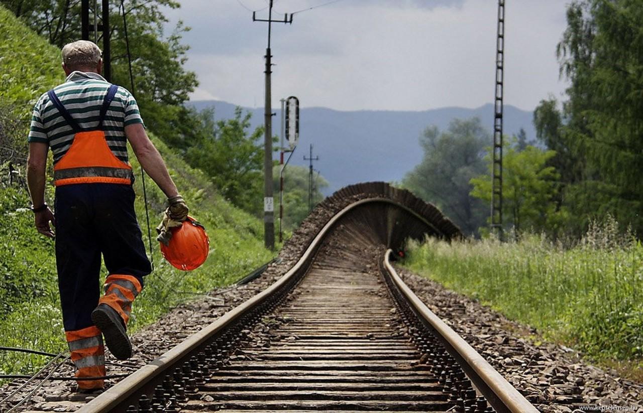 железнодорожные приколы фото один стажеров