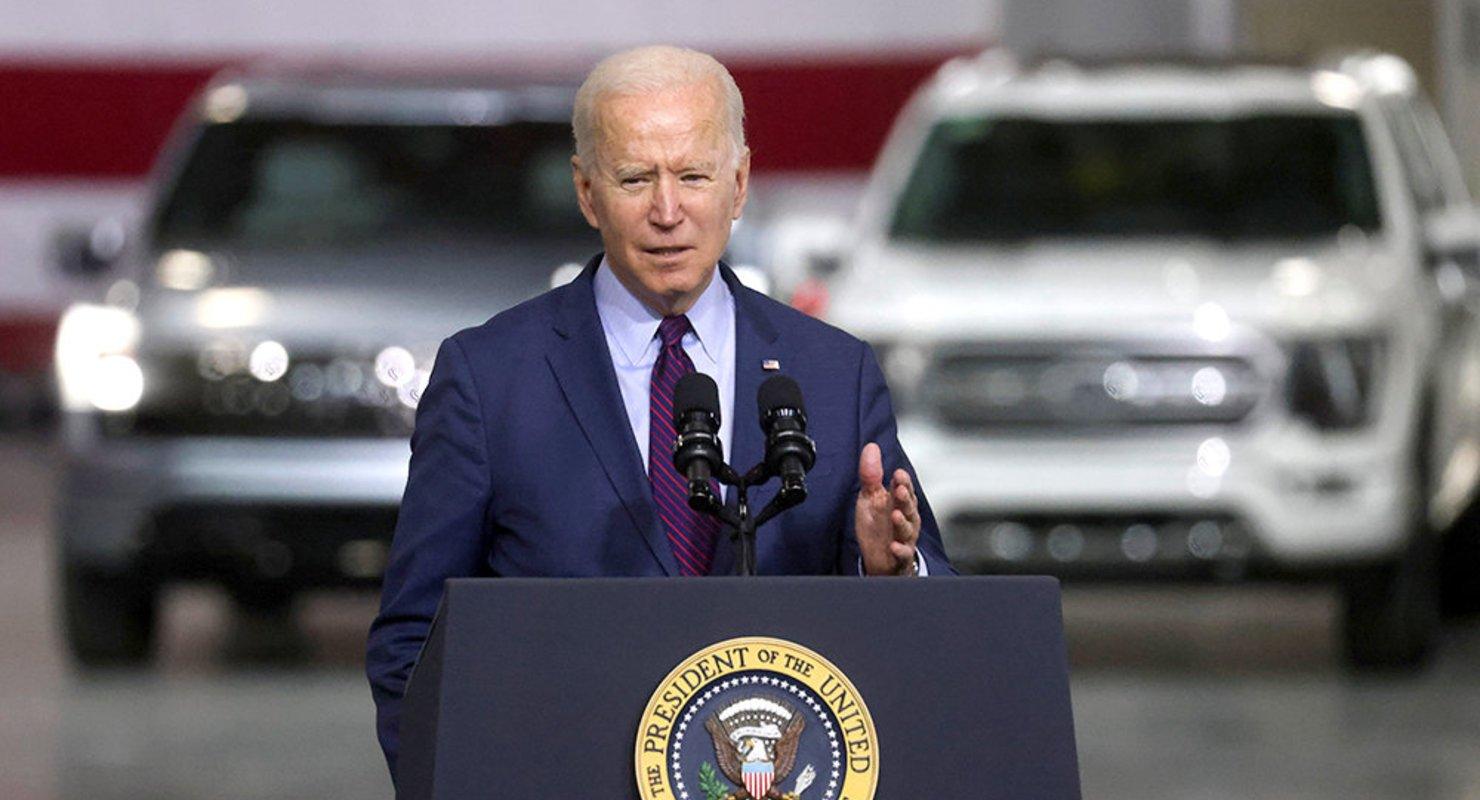 В США на развитие производства электромобилей направят 174 млрд долларов Автомобили