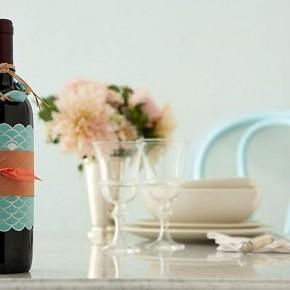 праздничная упаковка бутылки вина в подарок
