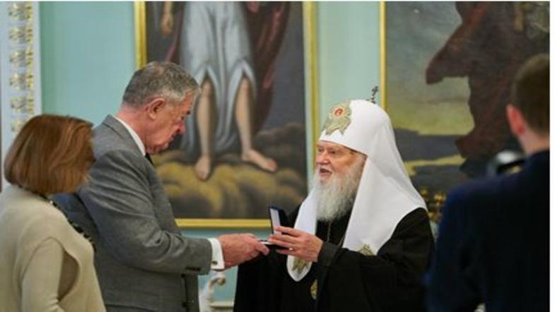 Денисенко наградил отставног…