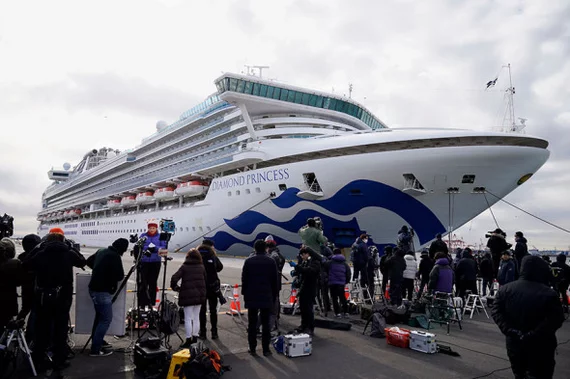 Фоторепортаж:  Жизнь на Чумном корабле «Diamond Princess» …