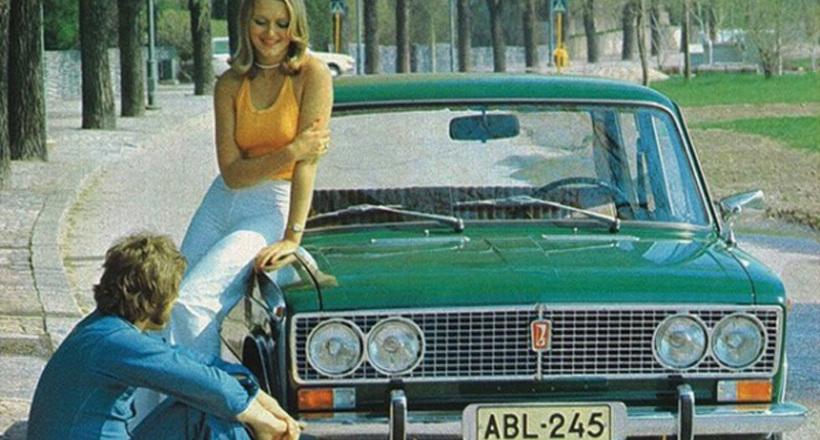 Соблазнительные девушки и советские мачо: какой была реклама автомобилей в СССР