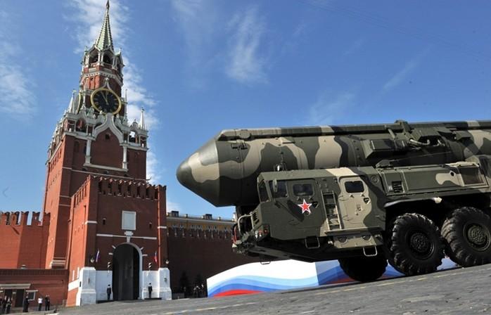 Татьяна Воеводина. Если завтра война: Кремль нажимает на ракеты, но игнорирует боевой дух