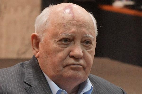 Горбачёв призвал Армению и Азербайджан прекратить военные действия Горбачев,Нагорный Карабах