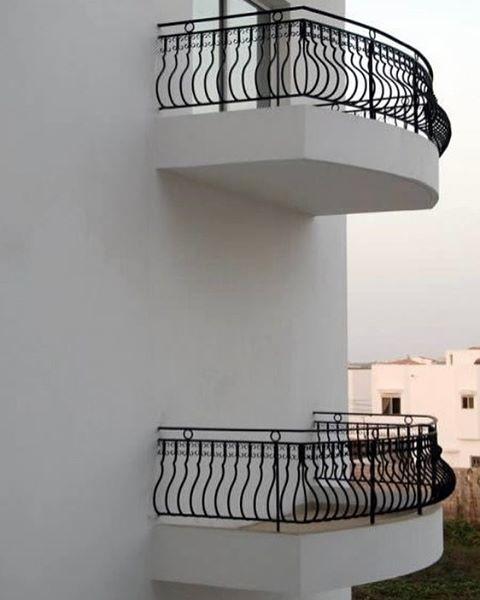 22. В номере есть балкон. Из него открывается великолепный вид на город горе-строители, маразмы в картинках, ремонт, юмор