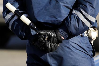 Сотрудники ГИБДД угрожали стрельбой ехавшей на работу семье за давнее нарушение Силовые структуры