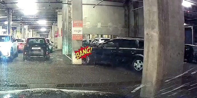 Типичная авария на паркинге: так почему многие водители предпочитают парковаться задом?