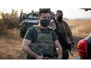 Юморист примеряет френч диктатора украина