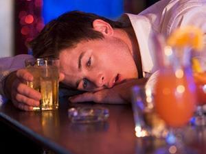 Почему мужчины походят знакомиться только пьяными?