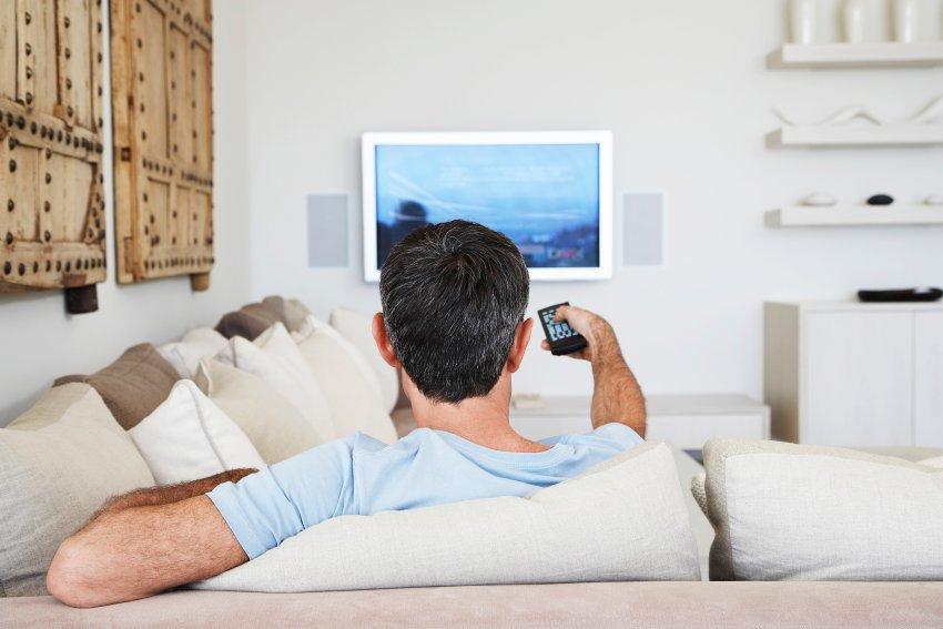 Как проводите выходные? на рыбалку ездите, отсыпаетесь или у телевизора диван пролёживаете?